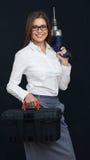 Uśmiechnięci biznesowej kobiety mienia pudełka narzędzia Zdjęcie Royalty Free