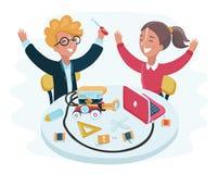 Uśmiechnięci dzieci siedzi przy laptopami wokoło mądrze robot pozyci na stole w szkolnej sala lekcyjnej Obrazy Stock