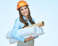 Uśmiechnięci studenccy arhitect mienia papieru projekty obrazy stock