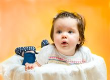 Uśmiechnięci szczęśliwi 8 miesięcy starej dziewczynki Fotografia Stock
