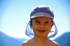 Uśmiechnięta chłopiec w Panama Obrazy Stock