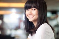 Uśmiechnięta dziewczyna Zdjęcie Royalty Free
