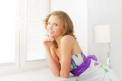 Uśmiechnięta dziewczyna fotografia royalty free