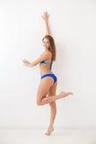 Uśmiechnięta dziewczyna w swimwear Fotografia Stock