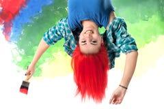 Dziewczyna z jaskrawym czerwonym włosy obrazy royalty free