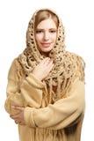 Uśmiechnięta kobieta w ciepłym comforter obrazy stock
