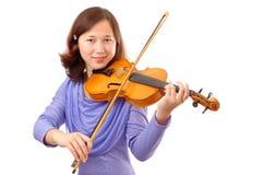 Uśmiechnięta nastoletnia dziewczyna bawić się skrzypce Obrazy Stock