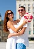 Uśmiechnięta para w mieście Obraz Stock