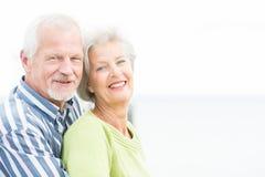 Uśmiechnięta starsza para Fotografia Royalty Free