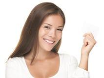 uśmiechnięta wizytówki kobieta Zdjęcia Royalty Free