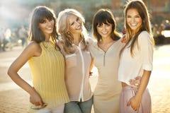 Uśmiechnięte kobiety Fotografia Royalty Free