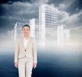 Uśmiechnięty azjatykci bizneswomanu odprowadzenie Fotografia Royalty Free