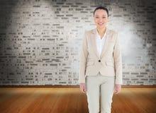 Uśmiechnięty azjatykci bizneswomanu odprowadzenie Obrazy Royalty Free