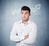 Uśmiechnięty biznesowy facet z wykres strzała Fotografia Stock
