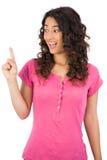 Uśmiechnięty brown z włosami kobieta palec up Zdjęcia Royalty Free