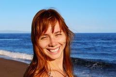 Uśmiechnięty dziewczyny twarzy portret zdjęcie stock