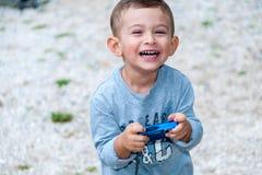 Uśmiechnięty i szczęśliwy dziecko Zdjęcia Royalty Free