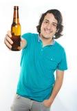 Uśmiechnięty mężczyzna z piwem obraz royalty free