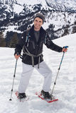Uśmiechnięty przecinającego kraju narciarstwa mężczyzna fotografia stock