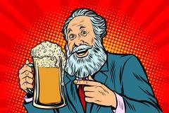 Uśmiechnięty stary człowiek z kubkiem piwo piana ilustracji