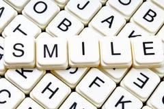 Uśmiechu teksta słowa crossword Abecadło list blokuje gemowego tekstury tło Obrazy Royalty Free