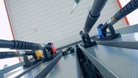 Użycie tankowania wyposażenie przy stacją paliwową, stacja benzynowa, paliwo stacja, benzyny stacja, refueling stacja zdjęcie wideo