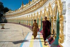 U极小的Thonze塔,缅甸 库存照片