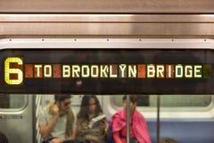U-Bahn an der Brooklyn-Brücken-Station, New York Stockbilder