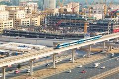 U-Bahn-Linie in Dubai Stockbild