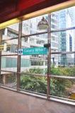 U-Bahnwegweise für die Reise des Lebens stockbilder