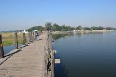 U Bein桥梁在Amarapura,曼德勒,缅甸 免版税库存照片