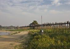 U Bein桥梁在Amarapura 免版税库存图片