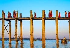 U-Bein桥梁12月1日 库存图片