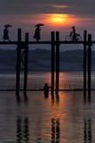 U Bein överbryggar - Mandalay - Myanmar Royaltyfri Bild