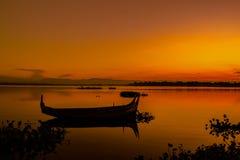 U-bein bro, Amarapura, Myanmar (Burman) Royaltyfria Foton