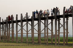 U Bein Houten Brug, Mandalay, Myanmar Royalty-vrije Stock Afbeeldingen