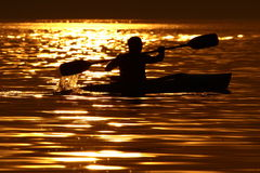 U enkel, water en zonsondergang. Royalty-vrije Stock Foto's
