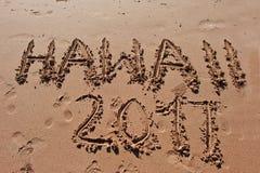 u. x22; Hawaii 2017& x22; geschrieben in den Sand auf den Strand Lizenzfreies Stockbild