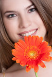 uśmiechnięta kwiat kobieta fotografia royalty free