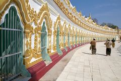 U Min Thonze Cave Sagaing Hill, Myanmar images stock