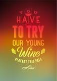 U moet onze jonge wijn proberen Typografisch retro de lijstontwerp van de stijlwijn op vage achtergrond Vector illustratie Royalty-vrije Stock Foto's