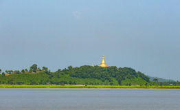U Rit Taung Pagoda i Myanmar Royaltyfria Bilder