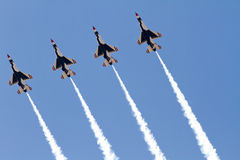 U S Ο αέρας Πολεμικής Αεροπορίας παρουσιάζει Thunderbirds Στοκ φωτογραφίες με δικαίωμα ελεύθερης χρήσης