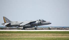 U S Τα ναυτικά av-8 επιδρομέας στον αέρα του Κλίβελαντ παρουσιάζουν στοκ φωτογραφία με δικαίωμα ελεύθερης χρήσης