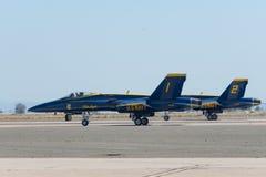 U S Ангелы военно-морского флота голубые выполняя на авиасалоне Miramar Стоковая Фотография