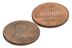 U S одна монетка цента изолированная на белой предпосылке Стрельба макроса Стоковое Фото