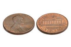 U S одна монетка цента изолированная на белой предпосылке Стрельба макроса Стоковая Фотография