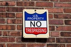 U S Свойство - отсутствие Trespassing знака i Стоковое Фото