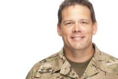 U S 军队战士,军士 隔绝和微笑 免版税库存图片
