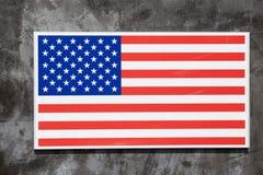 U S A 旗子标志在混凝土墙上装饰 库存照片